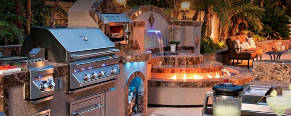 This Y Twin Eagles Outdoor Kitchen