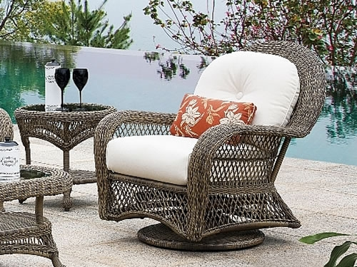 Swivel Club Chair (D)