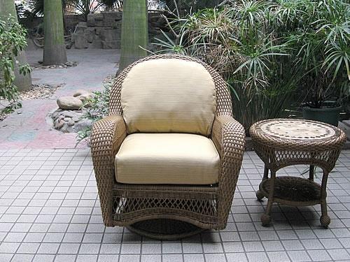Swivel Club Chair (M)